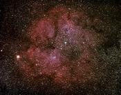 l'amas ouvert IC1396 entouré de ses nébulosités Roland Papy